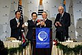 KOCIS President Lee receives global leadership award (6171211919).jpg