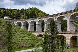 Kalte-Rinne-Viadukt mit Ghega-Museum.jpg