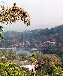 Kandy Lake, Sri Lanka.jpg