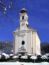 Kath. Pfarrkirche Flachau 002.jpg