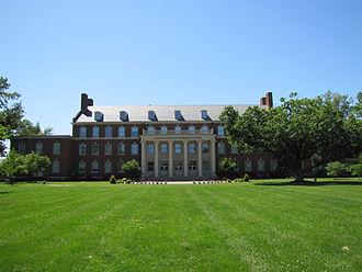 Kentucky Wesleyan College - The Barnard-Jones Administration Building at Kentucky Wesleyan College