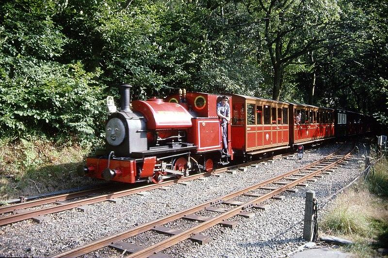 File:Kerr Stuart 0-4-2ST 4047 of 1921, running as 'Peter Sam' Talyllyn Railway, Abergynolwyn 9.8.1994 Scans979 (10759291155).jpg