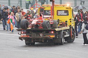 Ferrari F2008 - Image: Kimi Raikkonen 2008 Belgium crash