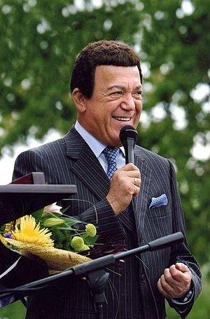 Ovation (award) - Image: Kobzon with mic