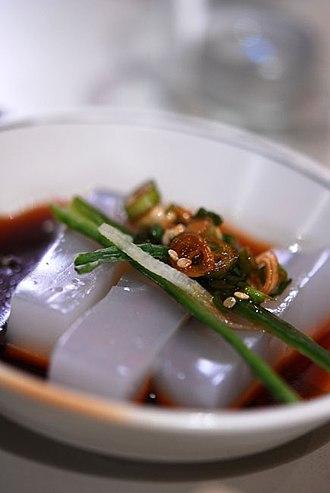 Nokdu-muk - Image: Korean mung bean jelly Cheongpomuk 01