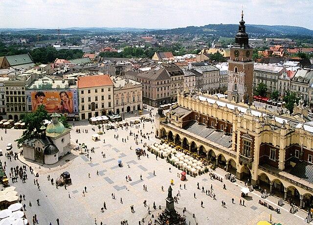 Place du marché de Cracovie vue depuis le clocher de la basilique Sainte Marie