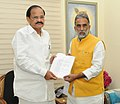 Krishan Pal meeting the Union Minister for Urban Development, Housing and Urban Poverty Alleviation and Parliamentary Affairs, Shri M. Venkaiah Naidu, in New Delhi on June 23, 2014.jpg