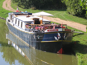 L'art de Vivre Hotel Barge Moored on the Nivernais Canal.jpg