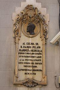 Lápida conmemorativa de Ramón Pelayo.JPG