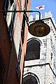 La bandiera di Genova troneggia superba sulla torre di Porta Soprana.jpg