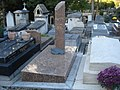 La tombe du peintre japonais Takanori OGUISS.jpg