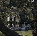 Lago con tempio.jpg