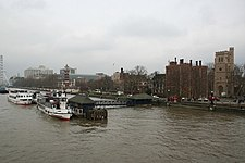 Lambeth Palace from Lambeth Bridge - geograph.org.uk - 343870.jpg