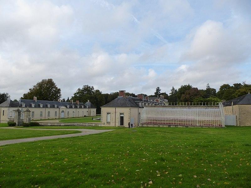 File:Le chateau de kerguéhennec - panoramio (8).jpg