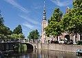 Leiden, de Sint Lodewijkskerk RM25593 met de Groenebrug foto7 2017-06-11 11.01.jpg