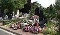 Lille - Tombe de Pierre Mauroy au Cimetière de l'Est le 18 juin 2013, cinq jours après son enterrement.JPG