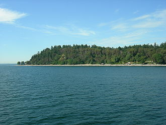 Lincoln Park (Seattle) - Lincoln Park, seen from the Fauntleroy-Vashon Ferry