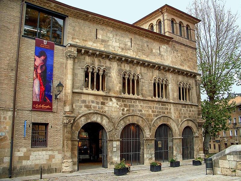 243 Estella Lizarra Palacio Reyes de Navarra o Duques de Granada    www.casaruralurbasa.com