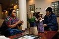 Llegada de Rigoberta Menchú al Ecuador (7128978833).jpg