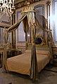 Llit del dormitori del marqués de Dosaigües.JPG