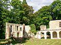 Mériel (95), abbaye Notre-Dame du Val, ruines du bâtiment des convers.jpg