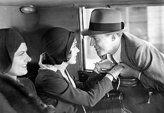 So This Is London (1930 film) - Mary Forbes, Maureen O'Sullivan and Frank Albertson in So This Is London