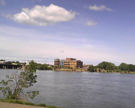 Missouri River as it flows through Great Falls, Montana Mo River Courthouse, GF Montana 2.jpg