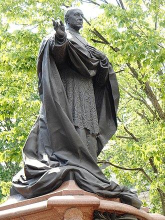 André César Vermare - Image: Monument du Cardinal Elzear Alexandre Taschereau 02