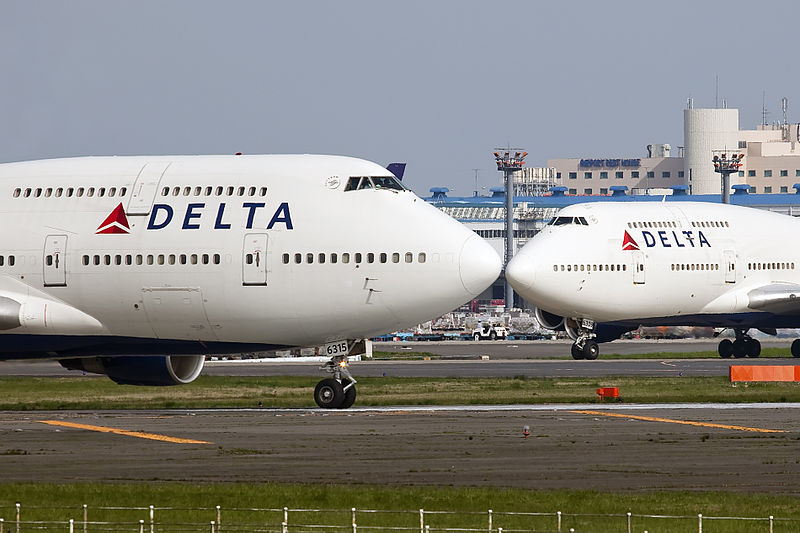 File:N675NW B747 Delta & other noses (7210031254).jpg ...