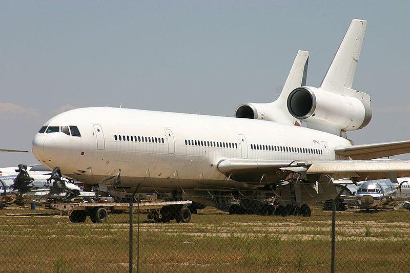 File:N856V Douglas DC-10 All White C-s (7426199996).jpg