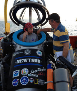NEEMO 16 Stanley Love DeepWorker comm check.jpg