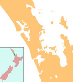 """Mapa konturowa Auckland, blisko centrum na dole znajduje się punkt z opisem """"Auckland"""""""