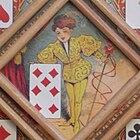 El enano amarillo sobre un tablero de juego Nain Jaune