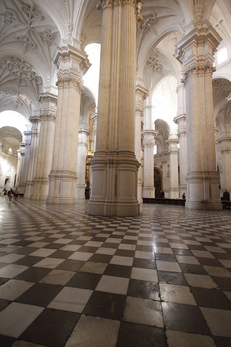 Nave - Cathedral of Granada.JPG