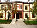 Ndërtesa ku është vendosur biblioteka e madhe ne Ferizaj 05.jpg