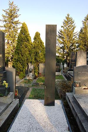Karl Schwanzer - Tomb of Karl Schwanzer at the cemetery in Neustift am Walde