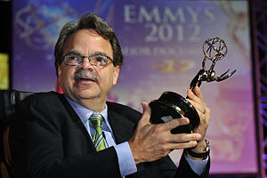 Noel Quiñones - Quiñones holding the Emmy he received for his film 17