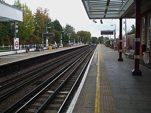 Northwood Hills tube station - Image: Northwood Hills stn look east