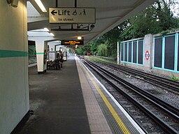 Oakwood station look westbound