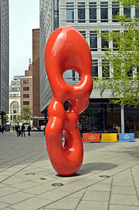 Ob 08 sculpture, St Giles High Street, London.JPG