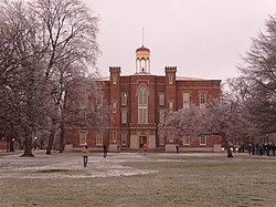 Old Main Knox College.jpg