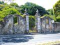 Old gate (14267573565).jpg