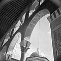 Omayaden moskee, bogen rondom het voorplein, Bestanddeelnr 255-5905.jpg