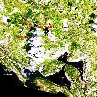 Orjen - Broader region of Orjen and Bay of Kotor. 7 August 2001.