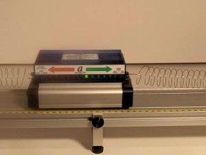 File:Oscillatory motion acceleration.ogv