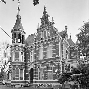 Zwollerkerspel - City hall of the former municipality of Zwollekerspel, in the nowadays Ter Pelkwijkpark of Zwolle