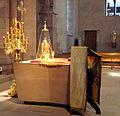 Pâques orthodoxes à l'église Saint-Étienne de Strasbourg - l'autel cropped.jpg