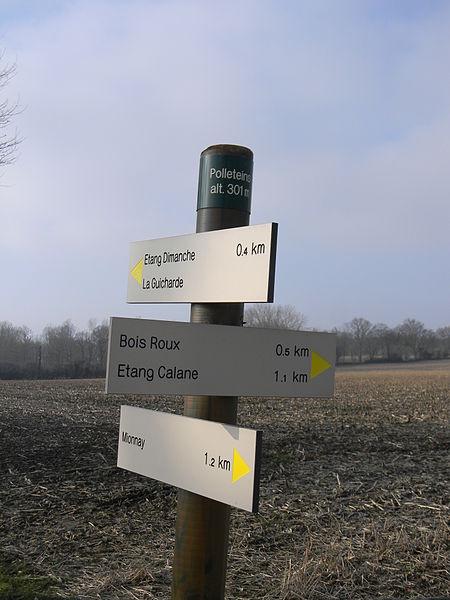 Panneaux au lieu-dit Polleteins à Mionnay: altitude 301 m.