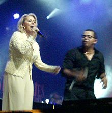 Patsy Gallant (left) with Gregory Charles in concert in 2008