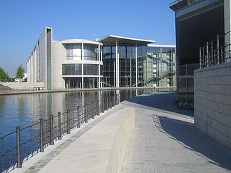 Stephan Braunfels - Paul-Löbe-Haus, East side on the Spree river bank
